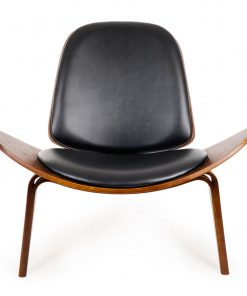 Replica Hans Wegner Shell Chair - Black PU Leather / Walnut Wood